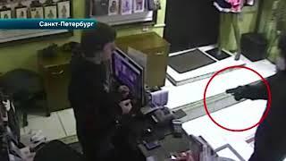 Преступник открыл огонь в секс-шопе в Петербурге