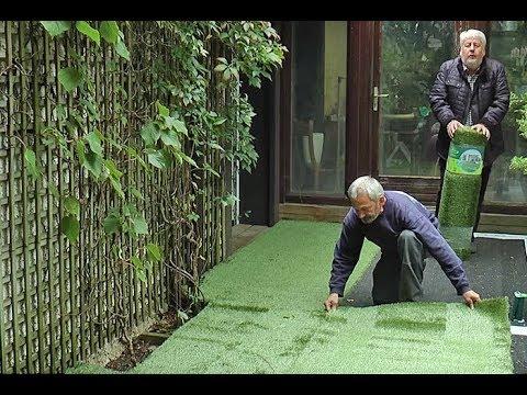 comment poser une pelouse artificielle sur une terrasse