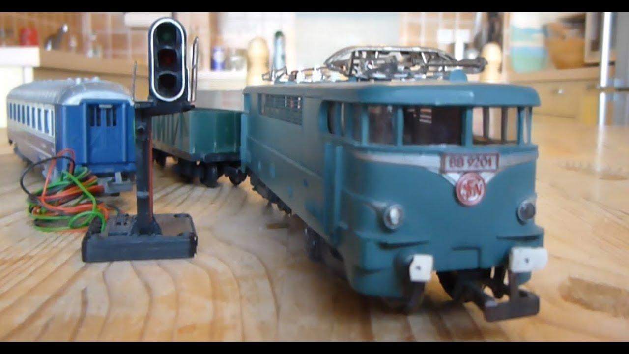 train lectrique ho jouef locomotive bb 9201 vieux jouets anciens old toys youtube. Black Bedroom Furniture Sets. Home Design Ideas