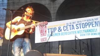 Hans Söllner - Hey Staat auf der G7-Demo München am 04.06.2015