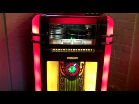 My Special Angel by Bobby Helms playing on a 1939 Wurlitzer