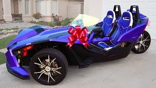 سينيا وأبي يركبان سيارة جديدة رائعة ثلاثية العجلات!