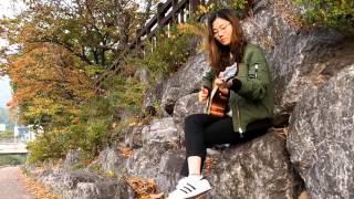 Cô Gái Xinh Đẹp chơi guitar 2