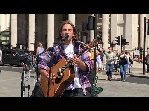 Bill Withers, Lovely Day   busking in the streets of London, UK