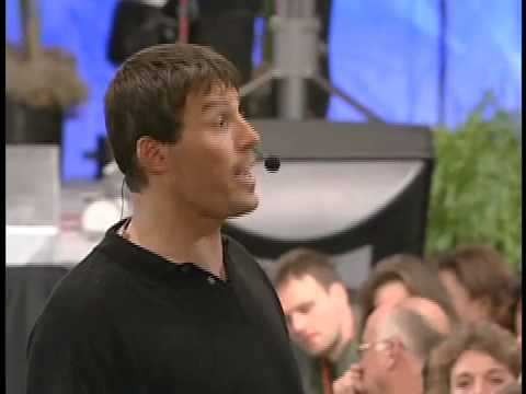 Tony Robbins Saves A Marriage – 8 Minutes