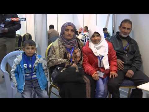 رئيس وزراء كندا يستقبل لاجئين سوريين