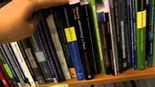 Konkurs z kamerą wśród książek - Biblioteka Wydziału Politologii i Studiów Międzynarodowych
