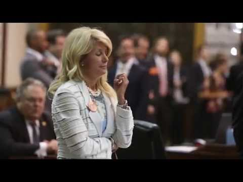 Crowd goes wild in Texas Senate after Wendy Davis abortion filibuster, 2013