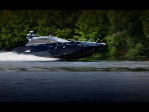 Катер российского производства. Скоростная моторная яхта Pioneer C54
