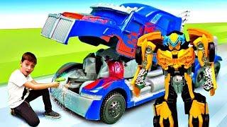 Игры в Трансформеры - Оптимус Прайм не может трансформироваться! Видео про игрушки: Роботы машинки