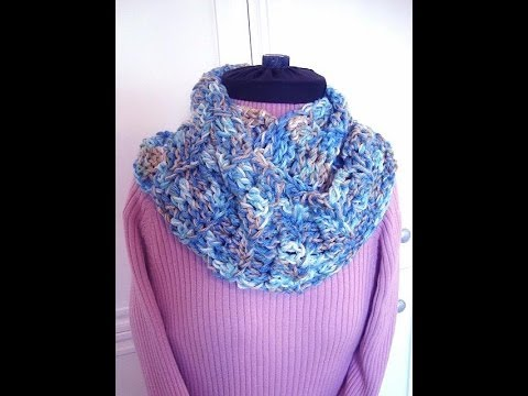 BEGINNER CROCHET INFINITY SCARF pattern, how to diy, crochet pattern- Red Hea...
