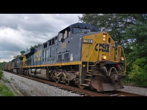 (788) Rear ET44 DP pushes N760-28 up the West in throttle 8 as Engineer makes horn song