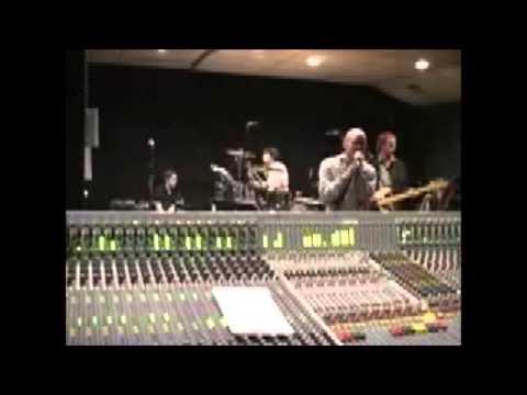 R.E.M. - I've Been High (Rehearsal, Live, London)