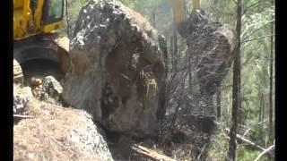 Bucak orman işçisi kaya altında can verdi