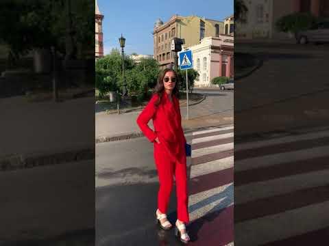 Женский деловой костюм красного цвета с пиджаком 800041R