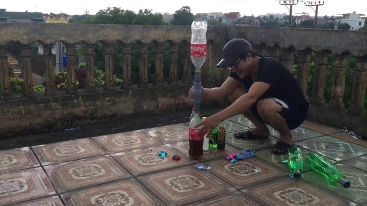 Tv bé con ( thử nghiệm các loại nước ngọt có ga với mentos ) coca cola với mentos