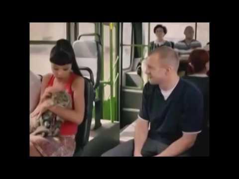 пристал в автобусе русские