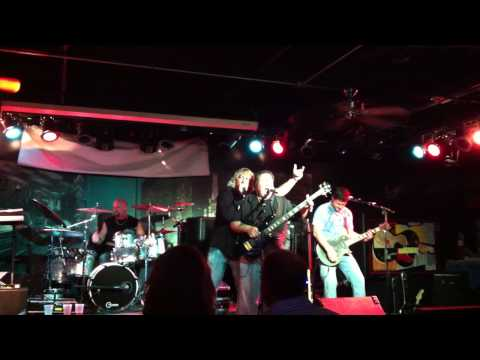 Vinyl Roxx rips out Slither at Chicago City Limits!
