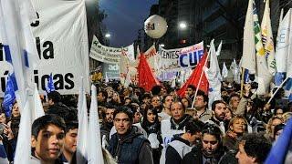 Multitudinaria marcha de Universitarios en defensa de la educación pública