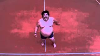 The amazing way that Maradona can still kick a ball