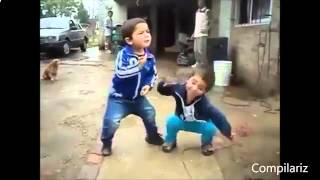 Маленькие дети танцуют классно!