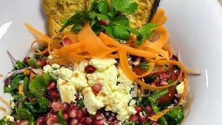 Peynirli, narlı harika roka salatası ve sarımsaklı ekmek tarifi / Salata tarifleri