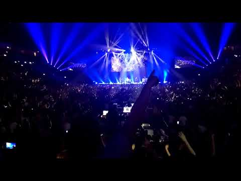 Noel Gallagher - Don't look back in anger @Manchester Arena - We are Manchester
