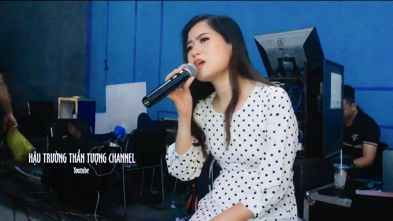 Lâm Vỹ Dạ Mượn Sân Khấu 7 Nụ Cười Xuân Hát Karaoke Vọng Kim Lang Cực Hay !