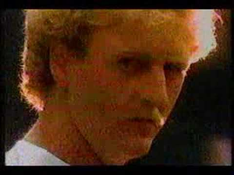 e89135958cabd7 Converse commercial with Larry bird and Magic johnson - YouTube