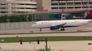 Chicago Midway Airport landings 22 L