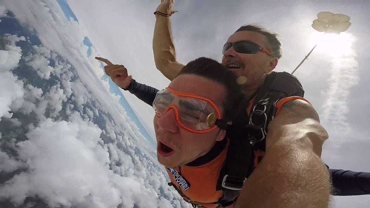Salto de Paraquedas do Igor na Queda Livre Paraquedismo 21 01 2017
