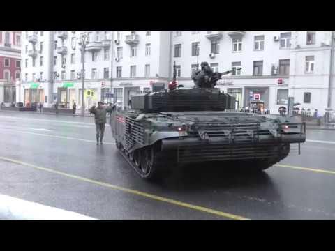 РУССКИЙ ТАНК Т-72Б3 ПРИПАРКОВАЛСЯ . PARKED, PARKING TANK. Супер шоу!))