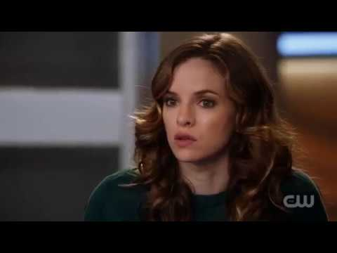 The Flash 4x07 - Snowbarry (Barry & Caitlin) Scenes/Reaction/Crack