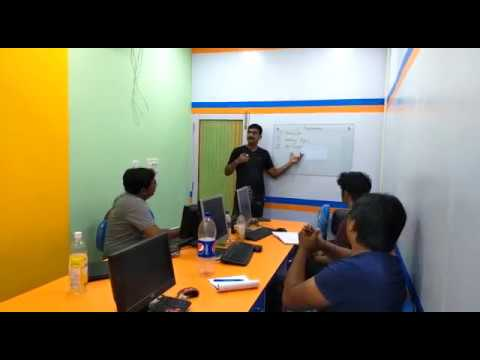 Glimpses of Digital Marketing Internship Practical Class at Seven Boats Academy