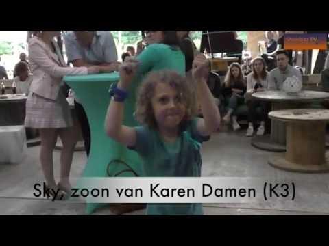 Zoontje van Karen Damen steelt de show op de dansvloer