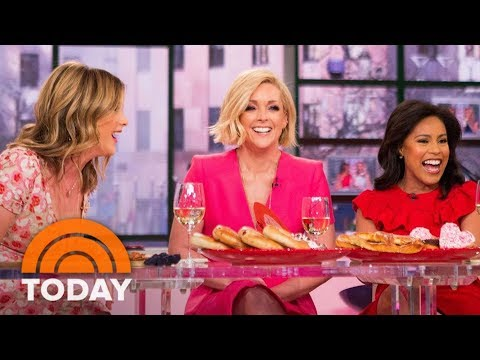 Jane Krakowski Plays 'Never Have I Ever' And Confesses She's Sent A TipsyText  TODAY
