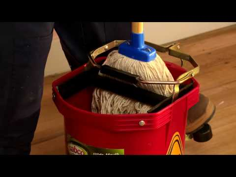How To Clean Wooden Floors - D.I.Y. At Bunnings