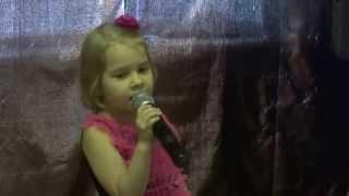 малятко Марго офігенно заспівала красиву дитячу пісеньку ''А я іграшок не помічаю'' - бере за душу