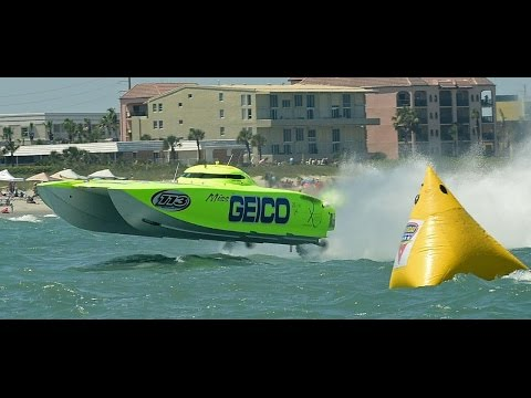 WW2 Fighters race Speedboat....on the Ocean!!