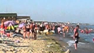 Отдых в Затока Одесской области. Забитые отдыхающими пляжи. Лето 2015(Здесь не нужно подделывать видео как в Крыму. Не нужны вебкамеры. Смотрите сколько отдыхающих. И это окраина..., 2015-08-15T07:11:47.000Z)