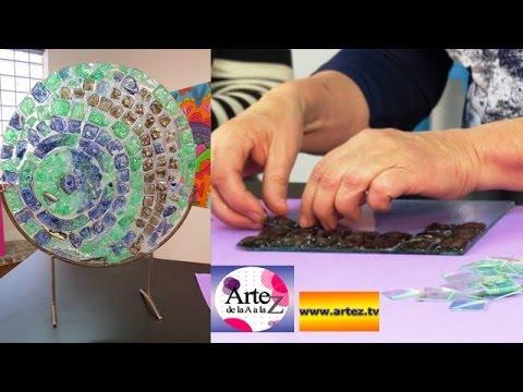 Mira c mo reciclar cds para hacer venecitas o azulejos for Como reciclar una mesa de tv vieja