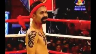 Bayon Boxing Comedy - Neay Krem vs BuaCow (51kg) 3.17.2013