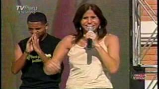 """Julie Freundt  """"Saca las manos"""" CORAZON PERUANO con Cecilia Barraza  27-02-2010"""