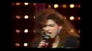 GLORIA ESTEFAN (Rare Live80s) - Rhythm is Gonna Get You