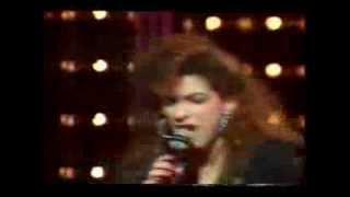 GLORIA ESTEFAN (Rare Live80s) - Rhythm is Gonna Get You
