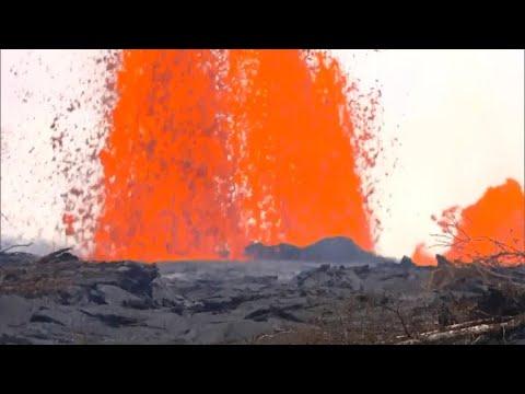 Hawaii's Kilauea volcano forces new evacuation orders