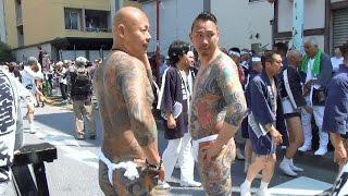 東京・浅草では2017年5月20日、三社祭が2日目を迎え、大勢の観光客で賑...