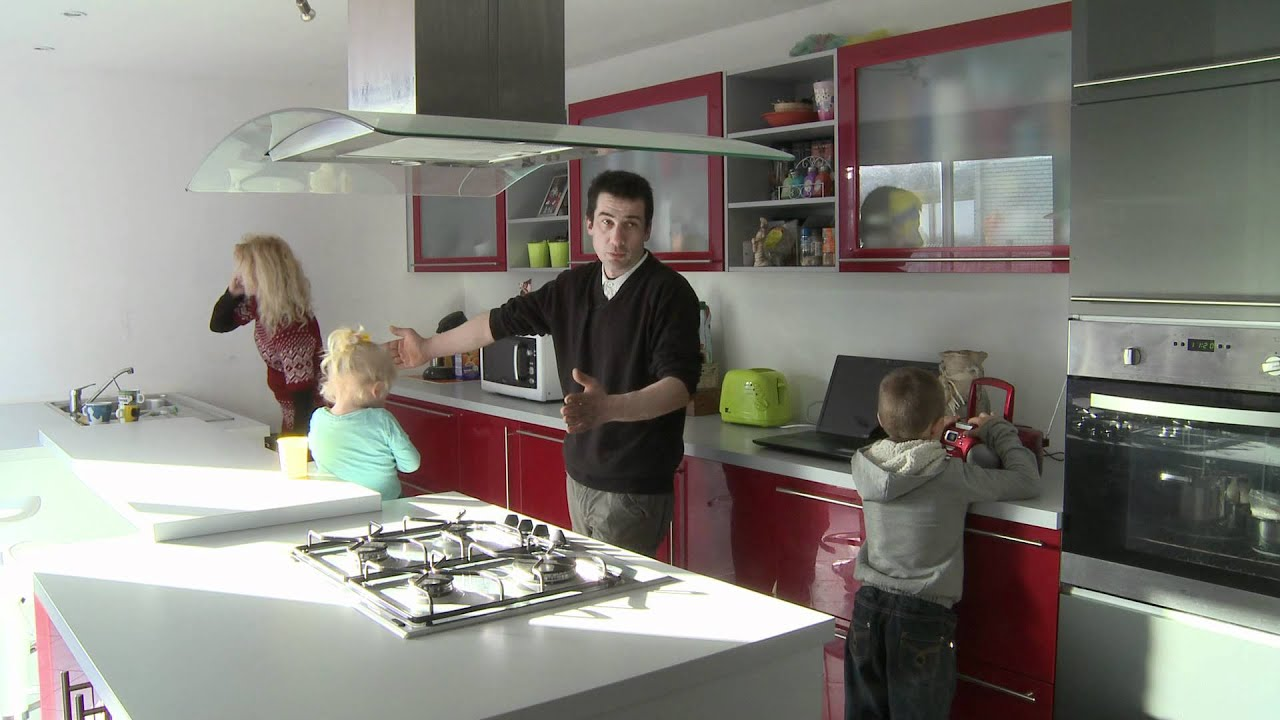 la cuisine ixina de la famille fraquet youtube. Black Bedroom Furniture Sets. Home Design Ideas