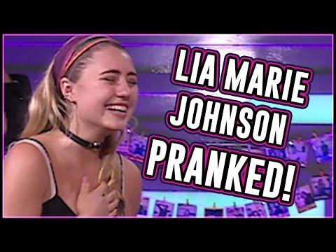 Lia Marie Johnson Pranked by Slender Man! Terrifying!