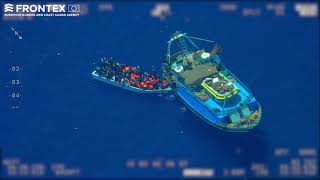 Frontex detects mother boat smuggling people